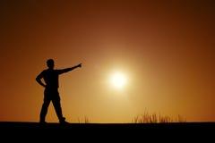 Zeigen von Händen auf die Sonne Stockbilder