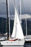 Zeilboot in de jachthaven Royalty-vrije Stock Foto