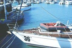 Zeilboot in de Vissenhaven, ChuWei Royalty-vrije Stock Fotografie