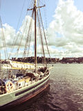 Zeilboot dichtbij Stockholm, Zweden Stock Fotografie