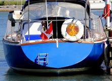 Zeilboot in jachthaven Royalty-vrije Stock Foto's
