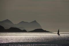 Zeilboot in Noorwegen Royalty-vrije Stock Afbeeldingen