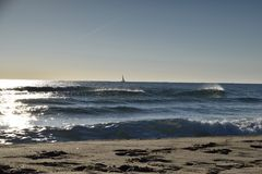 Zeilboot op de Middellandse Zee Stock Afbeelding