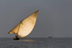 Zeilboot op Meer Victoria Royalty-vrije Stock Foto