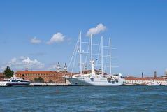 Zeilboot in Venetië Stock Foto's