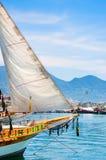 Zeilbootboot in de haven van Alanya, Turkije Royalty-vrije Stock Fotografie