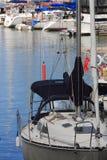 Zeilboten in jachthaven Royalty-vrije Stock Fotografie