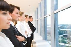 Zeile der Angestellter stockfotos
