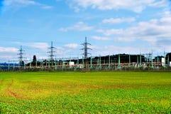 Zeile der elektrischen Umformer Stockfotografie