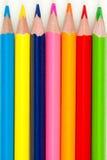 Zeile der farbigen Bleistifte Stockfotos