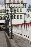 Zeile der Laternen. Kremlin in Izmajlovo. Moskau. Stockfotos