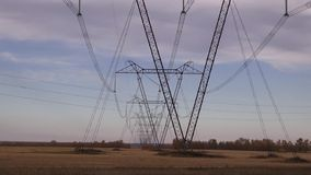 Zeile des Stroms stock footage