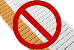 Zeile von Cigaretts stockfotos