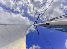 Zeilen aan de wind Royalty-vrije Stock Afbeeldingen