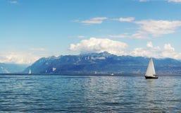 Zeilen bij het Meer van Genève Royalty-vrije Stock Foto