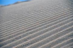 Zeilen im Sand Lizenzfreies Stockfoto