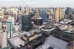 Zeit der Bangkok-Flussansicht in der Dämmerung, Thailand Stockfotografie