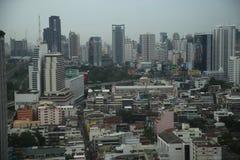 Zeit der Bangkok-Flussansicht in der Dämmerung, Thailand Lizenzfreie Stockbilder