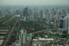 Zeit der Bangkok-Flussansicht in der Dämmerung, Thailand Stockfotos
