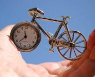 Zeit in der Hand. Lizenzfreie Stockbilder