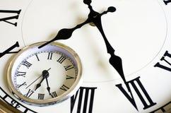 Zeit, die Konzept - alte Borduhr verstreicht Stockfotografie