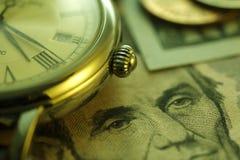 Zeit - ein Geld Gebrauch als Tapete, Musterfülle oder neutraler Hintergrund Abschluss-oben - Archivbild Stockbild