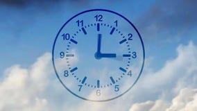 Zeit fliegt (Uhr im Himmel) stock footage