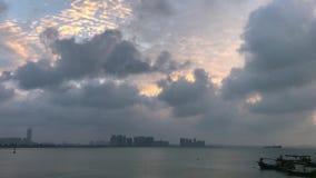 Zeit glitt Wolken hinab stock footage