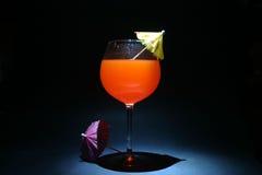 Zeit hüllt aka Fühlerberührung des Cocktails ein Stockfoto