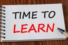 Zeit, Konzept zu erlernen lizenzfreie stockfotos