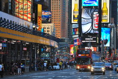 Zeit-Quadrat in New York City Stockfotos