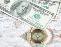 Zeit- und Geldkonzeptbild - Taschenuhr und US Lizenzfreie Stockfotos