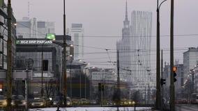 Zeit-Versehen des Sonnenuntergangs über im Stadtzentrum gelegenem Warschau stock footage