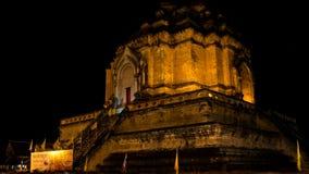Zeit-Versehen des thailändischen berühmten Pagodenanrufs Wat Chedi Luang stock video footage