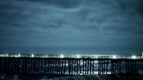 Zeit-Versehen Pier nachts stock video