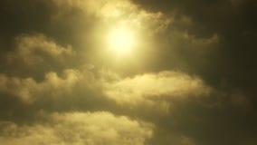 Zeit-Versehen-Wolken im Himmel stock video footage