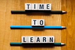 Zeit, Wortkonzept zu lernen lizenzfreies stockfoto