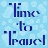 Zeit, zu reisen Designkarte mit Rucksackhintergrund Lizenzfreie Stockfotografie