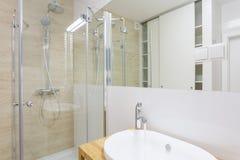 Zeitgenössische Dusche Lizenzfreies Stockfoto