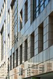 Zeitgenössische Gebäudewand Stockfotografie