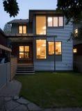 Zeitgenössische Hausfassade Lizenzfreies Stockbild