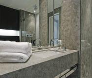 Zeitgenössisches Badezimmerdetail Lizenzfreie Stockfotos