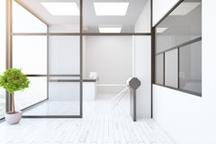 Zeitgenössischer Innenraum mit Drehkreuz und Aufnahme Stockfoto