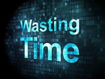 Zeitkonzept: Verschwendung von Zeit auf digitalem Hintergrund Lizenzfreies Stockbild