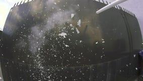 Zeitlupeleuchtstoffröhrebrechen stock video footage