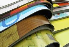 Zeitschriften auf einander stockfoto