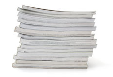 Zeitschriften gestapelt stockfotografie