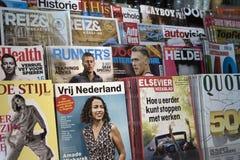 Zeitschriften sind f?r das Ablesen stockfotos