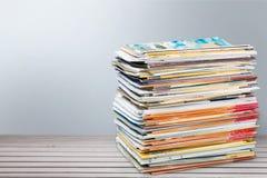 Zeitschriften-Stapel stockfoto