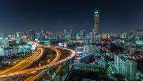 Zeitspanne des Nachthelle Bangkok-Verkehrsstraßenstraßenpanoramas 4k Thailand stock footage